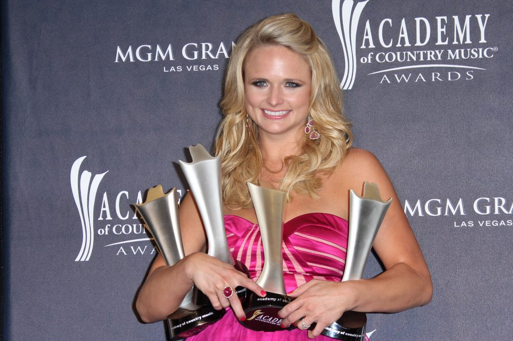 Miranda Lambert asking for donations for Centre County PAWS