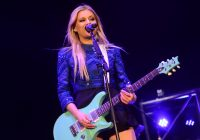 Kelsea Ballerini Talks New Album / Garth Brooks Part of Couple's Gender Reveal