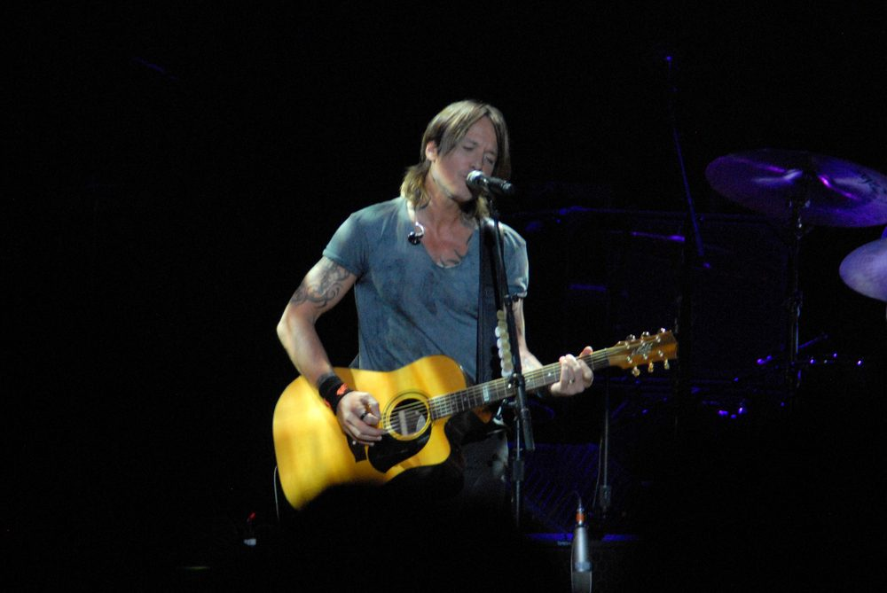 Kieth Urban releases Merle Haggard Inspired single [watch] / Idol Contestant does Impression of Luke Bryan
