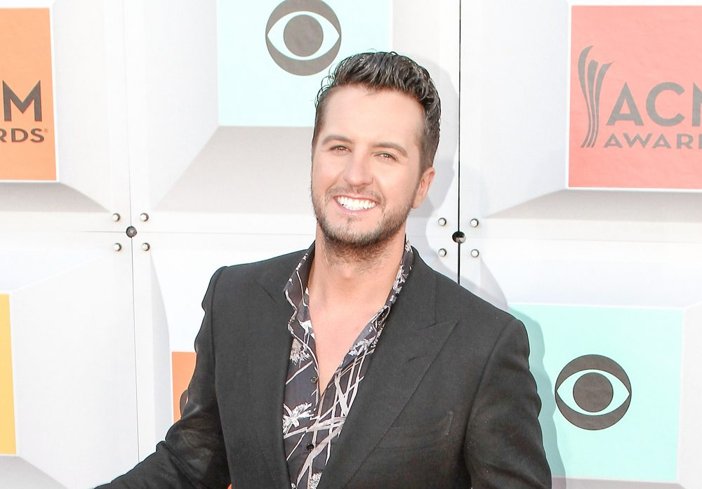 Luke Bryan Drink Beer out of a boot [watch] / Jason Aldean Track Listing Revealed