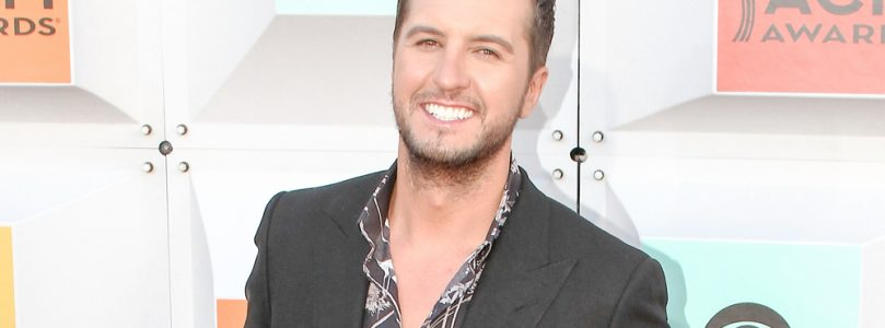 Luke Bryan Talks About his time on Idol so far / One Country star tied the knot this weekend [pics]