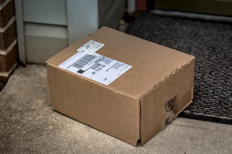 Former NASA Engineer Makes Glitter Bomb Trap For Package Thieves