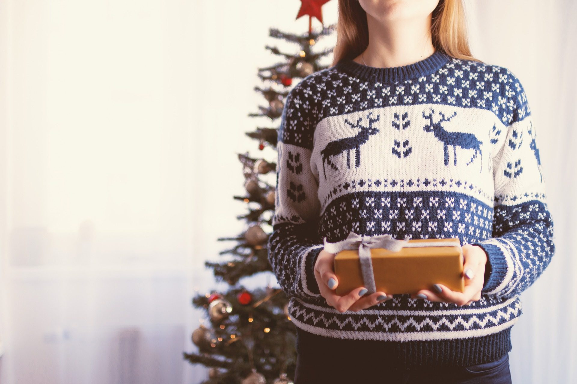 How many of us actually fake loving gifts? [+The Right way to deal with unwanted gifts]
