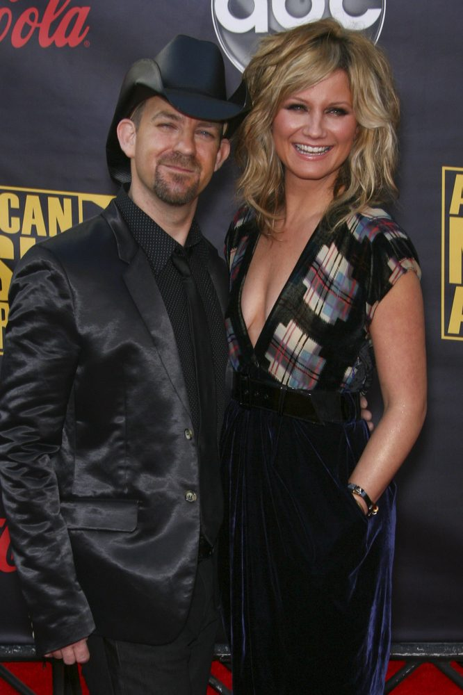 """It's finally here!  Sugarland has released the music video for """"Babe"""" with help from Taylor! [Watch]"""