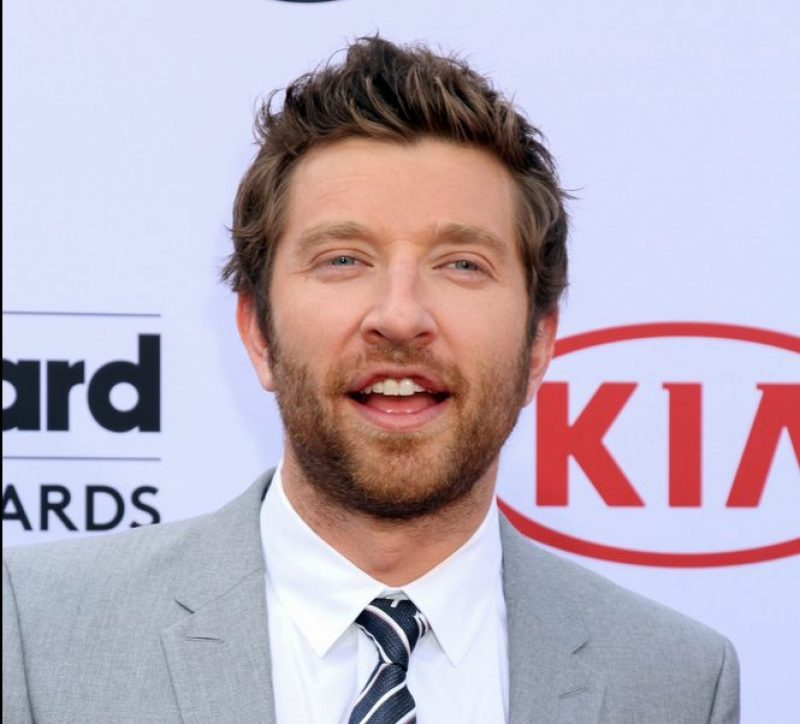 Brett Eldredge Goes Incognito At A Brooks And Dunn Concert (Watch)
