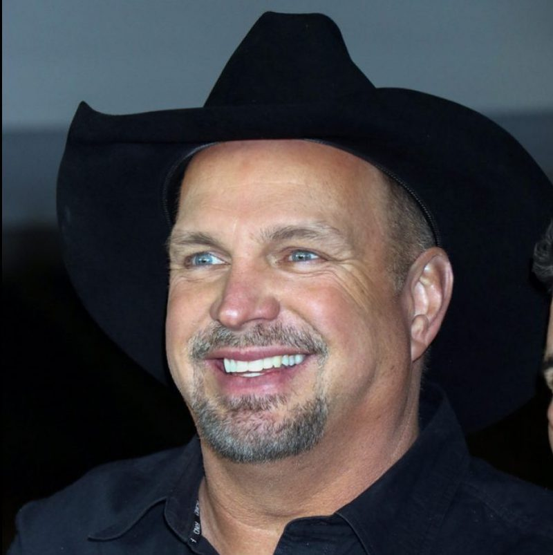 Garth Brooks is sending Newly Weds on their Honeymoon [WATCH]