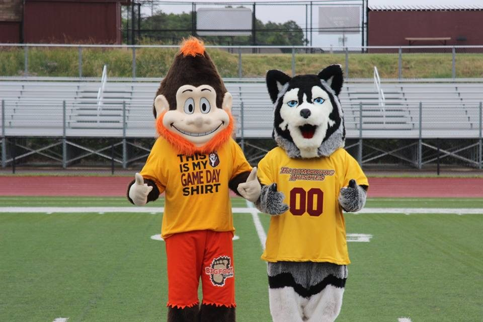 Bigfoot Cheers on the Bloomsburg Huskies!