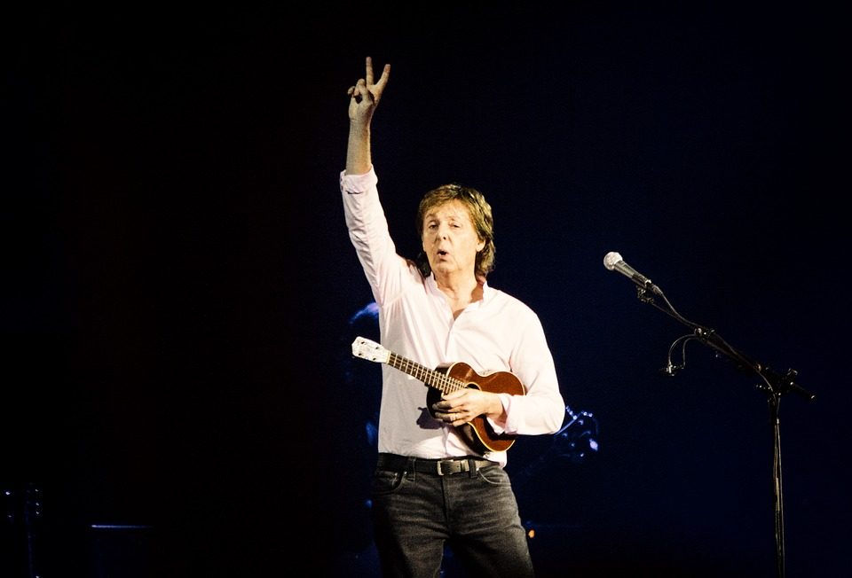 Paul McCartney's handwritten lyrics to 'Hey Jude' from 1968 are going on sale for.. How much?!