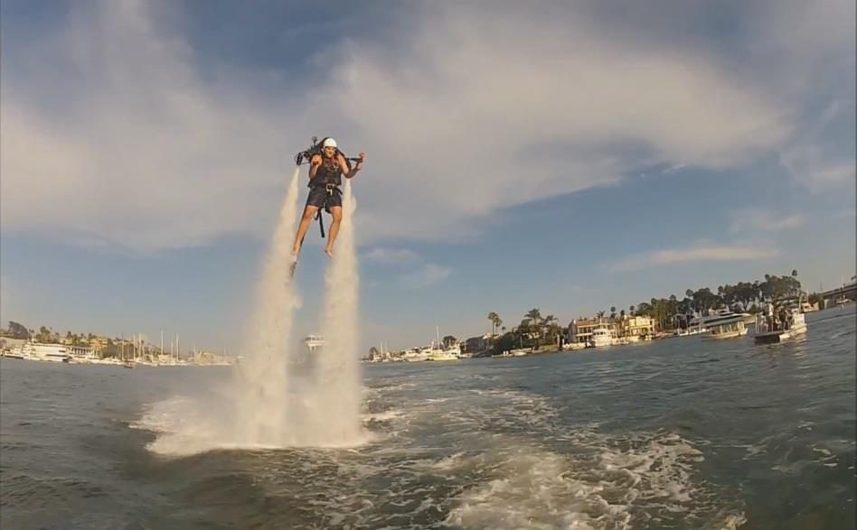 Firefighters in Dubai are Using JETPACKS (Video)
