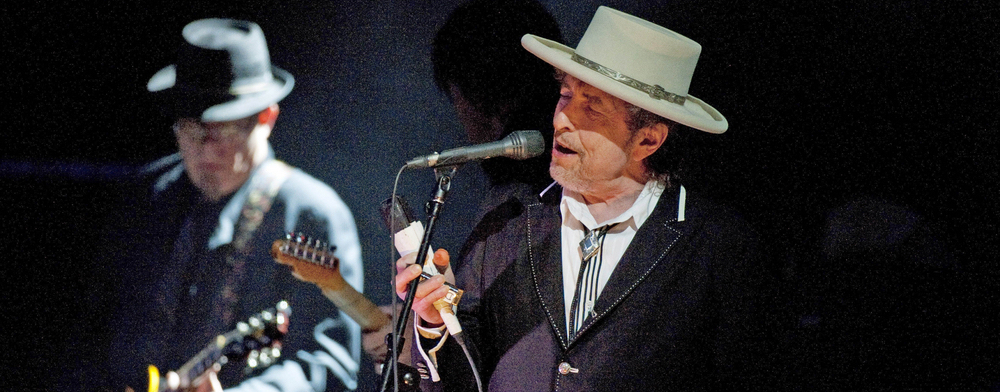Watch: Bob Dylan and Neil Young share a stage for the first time in 25 years