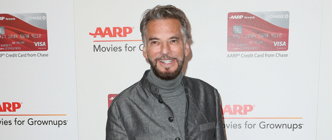 Kenny Loggins is streaming live for a cause this Sunday