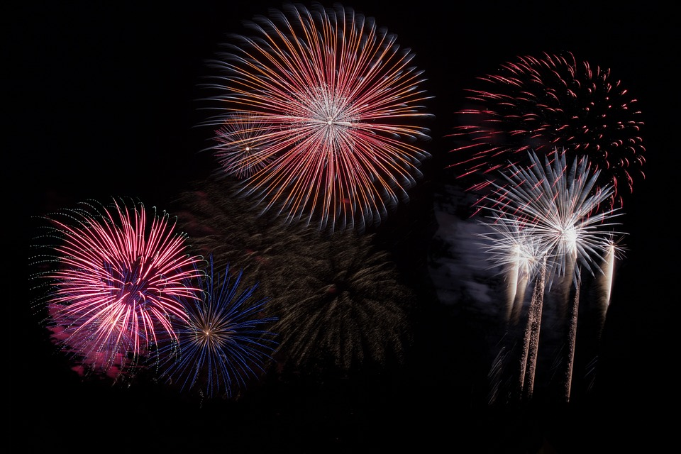 AREA FIREWORKS DISPLAYS AT DUSK